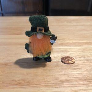 NIP lucky Irish ☘️ resin pocket gnome